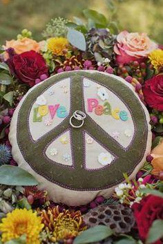 cojin para anillos de boda hippy.
