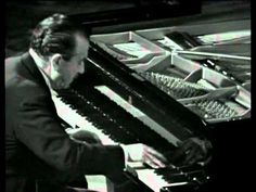 Claudio Arrau playing the Appassionata sonata. He has so much power. It sounds like someone dropped the piano. Piano Music, Music Tv, Art Music, Music Artists, Classical Period, Classical Music, Music Like, Kinds Of Music, Claudio Arrau