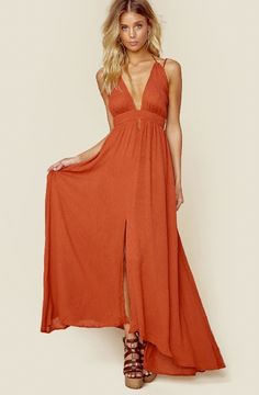 ASTR - The Label http://www.shopplanetblue.com/product/astr-the-label-belen-maxi-dress-cayenne