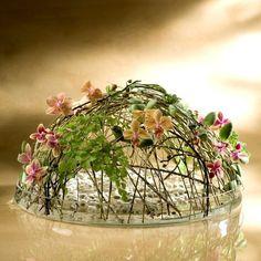 Design of light and flowers Tomas de Bruyne Art Floral, Deco Floral, Creative Flower Arrangements, Floral Arrangements, Flower Vases, Flower Art, Flora Design, Deco Table, Floral Centerpieces