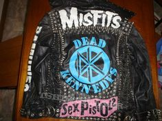 Punk Jacket First jacket I ever did when I was about Touched up the paint a bit later on again. from kimo Anti Fashion, Punk Fashion, Skinhead Clothing, Dead Kennedys, Punk Jackets, Battle Jacket, Punk Outfits, Punk Goth, Diy Clothing