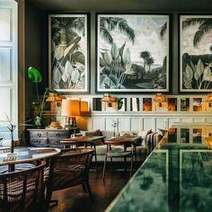 💚 Beautiful restaurant in Porto, Portugal