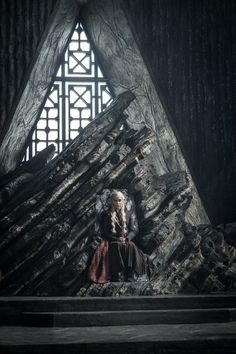 That's right: the Mother of Dragons has her own throne and strategy room now.