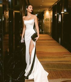 Shop for Sexy Strapless Side Slit Evening Dresses Cheap Online. Try Black White Sleeveless Cheap Formal Party Dress at the best price. Elegant Dresses, Pretty Dresses, Beautiful Dresses, Unique Prom Dresses, Elegant Formal Dresses, Formal Party Dresses, Elegant Evening Gowns, Casual Dresses, Classy Prom Dresses