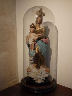 Online veilinghuis Catawiki: Wonderschoon groot Mariabeeld, 'Notre dame des Victoires'  onder stolp - FRANKRIJK - begin 20e eeuw