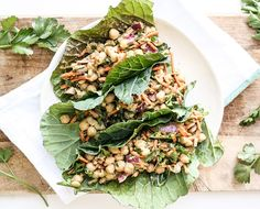 Green Tacos: Nutrient-Dense Collard Green Wraps with Tahini Sauce (The Chalkboard Mag) Raw Vegan Recipes, Veggie Recipes, Lunch Recipes, Whole Food Recipes, Vegetarian Recipes, Healthy Recipes, Vegan Raw, Vegan Meals, Vegan Vegetarian