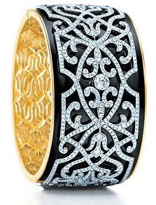 Tiffany Victorian Bangle of Black Enamel Diamond tiffany co earrings price Tiffany & Co., Tiffany Band, Tiffany Outlet, Bijoux Art Nouveau, Best Diamond, Diamond Stud, Pearl Diamond, Looks Chic, Tiffany Jewelry