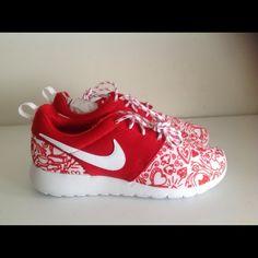 Nike Shoes - Nike Roshe One Print red white