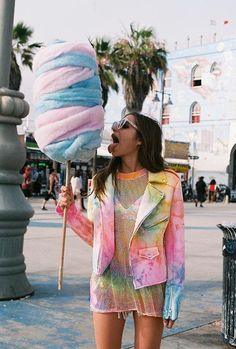 "chubbinafatazrelli: "" space-grunge: "" unif "" Is that actually cotton candy because omg "" Coachella, Moda Tie Dye, Batik Mode, Suicide Girls, Tie Dye Fashion, Space Grunge, Kawaii, Steam Punk, Ideias Fashion"