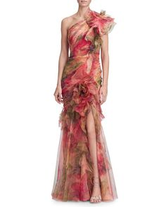 td {border: solid {mso-data-placement:same-cell;} One shoulder fit and flare printed silk organza gown with draped bodice, cascading ruffle skirt and silk organza flower detail. Vestidos Marchesa, Marchesa Gowns, Stylish Dresses, Elegant Dresses, Dresses For Work, Vestidos Fashion, Fashion Dresses, Women's Fashion, Skull Fashion
