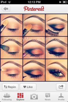 A how-to smokey eye Kiss Makeup, Cute Makeup, Pretty Makeup, Simple Makeup, Makeup Looks, Hair Makeup, Black Eyeshadow Makeup, Purple Eye Makeup, How To Make Hair