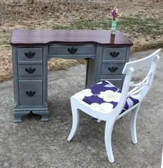 Would love to refinish my great aunt's old desk with this color. So versatile.