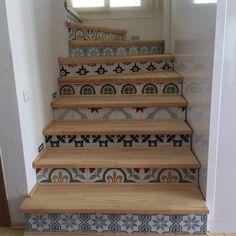 #design #tile #dekorasyon #decoration #cement #ceramic #interior #karo #desenlikaro #karoçini #architecture #istanbul #şık #tasarım #içmimar #mimari #döşeme #zemin #yerkarosu #homeart #karosiman #dizayn #tarih #rumkarosu #vintage #basamak www.cakartas.com