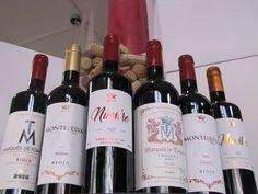 La Vendimia d'Espagne - Cave à vins et épicerie espagnole - Paris 18 Sangria, Liqueur, Bottle, Desserts, Wine Cellar, Red Wine, Alcohol, Spain, Tailgate Desserts