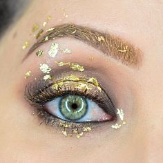 Queen Ravenna (The Huntsman Winter's War) inspired eye look Eye Makeup Art, Eye Art, Makeup Inspo, Makeup Inspiration, Face Makeup, Gold Makeup, Photoshoot Inspiration, Costume Makeup, Party Makeup