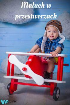 Pierwsza podróż samolotem z dzieckiem – jak się do niej przygotować? #baby #plane #journey #trip #travel #packingup #travelwithachild #holiday #funny #sky #family #tourism #airport #podróż #dziecko #samolot #lotnisko #rodzina #niebo #wycieczka #wakacje