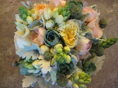 Dragonfly Floral is an event and wedding florist in Healdsburg, CA that wants to help you plan the perfect wedding or event. Wedding Flower Pictures, Wedding Flowers, Flower Centerpieces, Flower Arrangements, June Events, Wedding Vendors, Wedding Ideas, Wedding Inspiration, Peach And Green