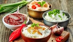 Be sure to try the best Thermomix dips - Cousine plus - Easy Appetizer Recipes, Dip Recipes, Sauce Recipes, Summer Recipes, Simple Appetizers, Dips Thermomix, Shawarma Sauce, Guacamole, Veggie Platters