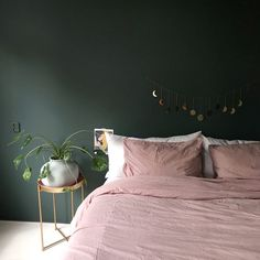 Urban Outfitters Home ( Bedroom Green, Green Rooms, Master Bedroom, Bedroom Decor, Urban Outfitters Home, Laundry Room Layouts, New Room, Home Interior Design, Room Inspiration