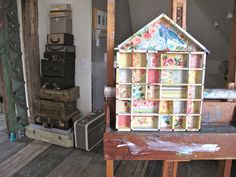 Beehive Art Salon: DIY with Vintage Wallpaper
