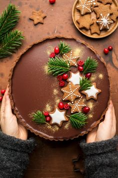 vegan gingerbread amaretto chocolate tart Christmas Baking, Christmas Cookies, Christmas Chocolate, Sweet Tarts, Tarte, Holiday Desserts, Cake Story, Cakepops, Food Decoration