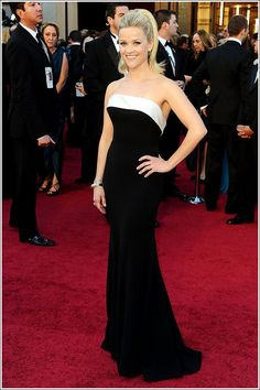 Reese Witherspoon at the 2011 #Oscars in Armani Prive. My favourite Oscars dress that year. Loved the uber-bouncy #ponytail