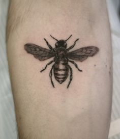honey bee tattoo