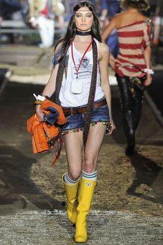 summer rain boots 4 Cute Rain Boots Outfit Ideas