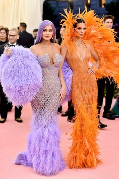 Diana, Princess of Wales, Jackie O, Beyoncé, and more — Vogue looks back at 25 years of legendary Met Gala looks and most memorable fashion moments and the best Met Gala outfits ever Kendall Jenner Outfits, Kylie Jenner Met Gala, Trajes Kylie Jenner, Looks Kylie Jenner, Kendall And Kylie Jenner, Kendall Jenner Wallpaper, Estilo Jenner, Estilo Kardashian, Gala Dresses