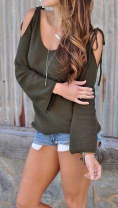 ootd / khaki sweater and denim shorts