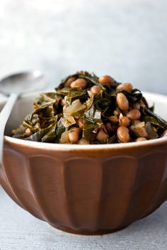 NYT Cooking: Black-eyed peas with collard greens sounds like a Southern dish, and indeed it would be if you threw in a ham hock and took away the dill. But this recipe actually is inspired by a Greek dish that combines black-eyed peas with wild greens. Pea Recipes, Greek Recipes, Dog Food Recipes, Vegetarian Recipes, Cooking Recipes, Healthy Recipes, Black Eyed Peas Recipe Vegetarian, Vegetarian Lunch, Dinner Recipes