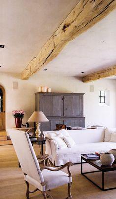love the beams, beautiful room