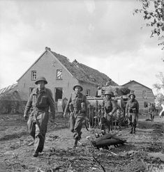 We don't only publish memorials and events. We write in depth articles about the Second World War as well. This article is about the battles of Overloon and Venray. British Army Uniform, British Soldier, Military Units, Military History, D Day Normandy, Royal Engineers, Army Infantry, Ww2 Tanks, German Army