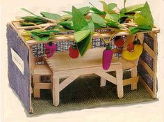 LOVE the idea of making a sukkah from popsicle sticks and felt!
