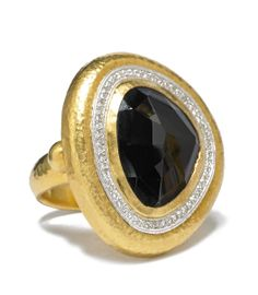 GURHAN ring in 24k gold with big ruby and diamonds.