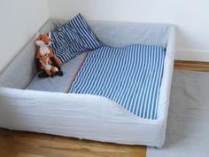 lit au sol pour b b 2 nouvelle version la vie jolie julie blog de maman b b. Black Bedroom Furniture Sets. Home Design Ideas