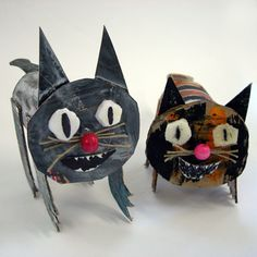 Images Of Cute Animals To Draw Easy inside Crazy Cats Card Game onto Cute Animals Hugging Images this Crazy Cats Haba Toilet Paper Roll Art, Rolled Paper Art, Cardboard Sculpture, Cardboard Art, Cardboard Animals, Volume Art, Art For Kids, Crafts For Kids, Classroom Crafts
