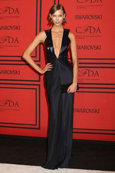 Karlie Kloss in a Cushnie et Ochs dress.