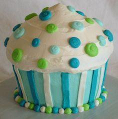 giant cupcake--adorable!!
