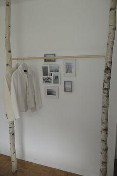 Simple Kleiderschrank Kleiderstange aus Birke Eine Besondere M glichkeit Kleider aufzuh ngen Als Kleiderschrank Kleiderstange oder auch Garderobe