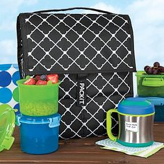 This insulated freezable cooler bag never needs gel packs, because it's lined with earth-friendly freezer gel!