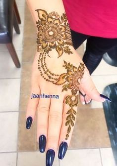 nice Body - Tattoo's - Photos for Jaan Henna - Yelp Henna Hand Designs, Mehndi Designs Finger, Latest Henna Designs, Mehndi Designs For Girls, Mehndi Designs For Beginners, Modern Mehndi Designs, Mehndi Design Photos, Wedding Mehndi Designs, Mehndi Designs For Fingers