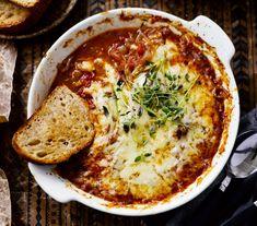 Kuuma juusto on mahtava seurusteluherkku. Quiche, Baking, Breakfast, Recipes, Food, Drinks, Morning Coffee, Drinking, Beverages