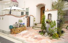 ディーズパティオ/素敵な南欧風中庭のアイテム in 2020 Patio Pergola, Small Cafe Design, Outdoor Rooms, Outdoor Decor, Garden Doors, Backyard Garden Design, Fence Design, Home And Garden, House Design