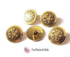 lot de 5 boutons ronds en métal décoré d'une fleur couleur doré antique 20 mm - bouton doré : Boutons par une-histoire-de-mode