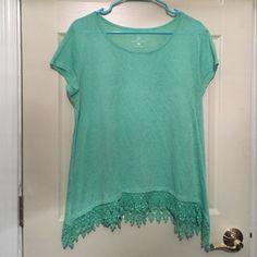 New York & Co XL Mint Loose Blouse Lace Tunic Long New York & Co BEAUTIFUL Mint XL oversized Lace at the bottom Butterfly cut Tunic style Long enough to go over your bum a bit. Worn once! Slightly see through. New York & Company Tops Blouses