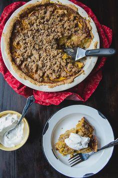 Grain-Free Apple Crumble Pumpkin Pie by @SoLetsHangOut // www.soletshangout.com #pumpkinpie #applepie #pumpkinapplepie #pumpkin #apple #paleo #grainfree #thanksgiving #glutenfree