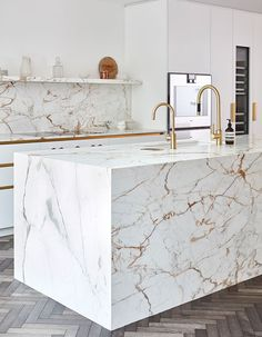 Marble Kitchens - Kitchen trends 2020 – the latest kitchen design - Real Time - Diet, Exercise, Fitness, Finance You for Healthy articles ideas Kitchen Cabinet Design, Modern Kitchen Design, Kitchen Buffet, Kitchen Decor, Layout Design, Design Ideas, Design Design, Latest Kitchen Designs, Latest Kitchen Trends