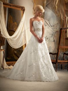 I found this dress on Bridal Pure. OMG I love it! So elegant. - http://www.bridalpure.com/p_921557.html