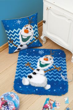 #vervaco #cushion #tapestry #kidsroom#diy #frozen #olaf #winter #snow #DIY #weekend #freetime #stitching #latchhook #needlework #kids #yarn #doityourself #hobby #kids